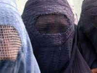 """Fas'ta """"burka yasağı"""" tartışması alevleniyor"""