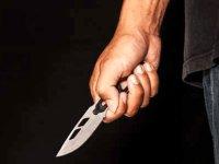 Gazimağusa'da 5 kişi 1 kişinin üzerine saldırdı ve bıçaklayıp olay yerinden arabayla kaçtılar (VİDEO)