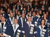 YDÜ Fen Edebiyat Fakültesi mezunları diplomalarını aldı