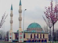 Hollanda'daki bazı camiler geçici olarak ibadete kapatılacak