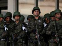 Brezilya'da polis grevi güvenlik sorunlarına neden oluyor