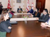 """""""Çözüm ve Barış Platformu"""" heyeti Cumhurbaşkanı Akıncı'yı ziyaret etti"""