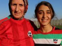 Azize Ay: Ailesi izin vermese de pes etmedi, 48 yaşında futbolcu oldu