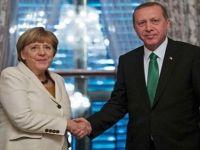 Merkel: Türkiye'deki referandumu beklemeliyiz
