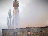 Yunanistan'da camide yangın çıktı