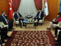 Başbakan Özgürgün, Dış Basın Birliği yeni Yönetim Kurulu'nu kabul etti