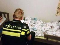 Polis eve gelip çocuklara masal kitabı okudu