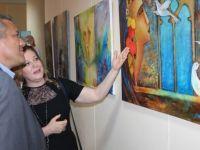 Uluslararası Gazimağusa Sanat Festivali kapsamında 25 ressamın eserlerinden oluşan sergi açıldı