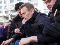 AB: Rusya göstericileri serbest bıraksın
