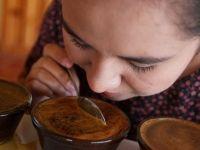 Vietnam'da yerel bir içecek: Yumurtalı kahve