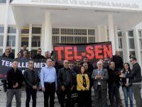 TEL-SEN Bayındırlık ve Ulaştırma Bakanlığı'na siyah çelenk bıraktı