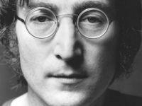 John Lennon'ın takım elbisesi açık artırmada