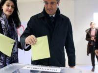 Avrupa'da çekişmeli geçen halk oylamaları