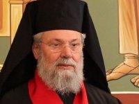 Başpiskopos II. Hrisostomos'a isim gününde protesto