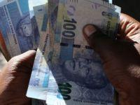 Güney Afrika'da 17 banka protesto edildi