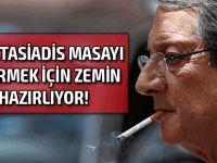"""""""Anastasiadis, Kıbrıs'ta çözümden çok başkanlık seçimlerini düşünüyor"""""""