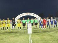 Dr. Fazıl Küçük Stadyumu'nda ilk gece maçı dün akşam oynandı