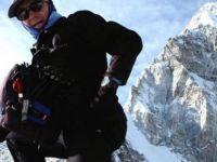 Everest'te 4 dağcı hayatını kaybetti
