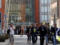 İngiltere'de AVM boşaltıldı! İnsanlar koşarak kaçıyor