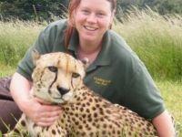 Hayvanat bahçesinde kaplan bakıcısını öldürdü