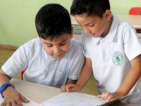 İlkokul ve ana okullarda karneler dağıtıldı