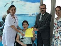 Onkoloji servisinde tedavi gören öğrenciler karnelerini aldılar