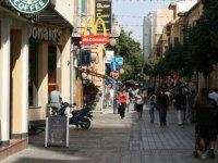 """Kıbrıslı Rumlar :""""Yaşam İyi, Durum Kötü"""""""