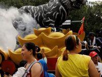 """10 bin kişi """"tütsü yakılma sınırlamasını"""" protesto etti"""