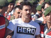 """7 soruda """"Hero tişörtü"""" meselesi"""
