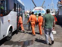 Irkçı gemi ile ilgili 7 kişi tutuklandı, 5 sığınma talepçisine 10 gün vize