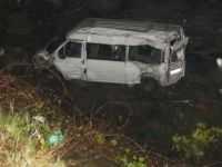 Güney Afrika'da minibüs köprüden şarampole yuvarlandı: 18 ölü