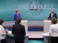 Almanya'da koalisyon hükümetine SDP onayı