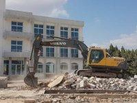 Mehmetçik'te eski Belediye Binası yıkıldı