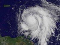 Irma bitti Maria başladı: Kategori 5'e yükseldi, ayni güzergahta ilerliyor!