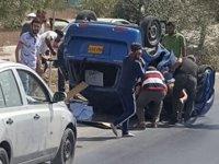 Girne-Lefkoşa yolunda kaza: Araç ters dönerek durabildi!