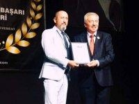 Kadirağa'ya CIOFF özel hizmet ödülü verildi