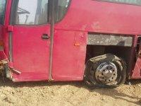 Güzelyurt yolunda lastiği patlayan otobüs kaza yaptı ! 4  yaralı