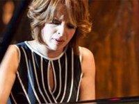Rüya Taner'den LAÜ'de piyano resitali