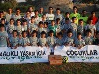 Oyna GG Futbol Akademisi'nden futbolcularına süt desteği