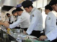 Ödüllü şef Biryılmaz LAÜ gastronomi öğrencilerine deneyimlerini aktardı