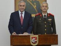 Cumhurbaşkanı Akıncı, komutanlara iade-i ziyarette bulundu