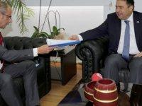 """Özuslu: """"Kıbrıs Türk basınının ciddi sıkıntıları var"""""""