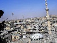 Rusya: Batı, Rakka'daki barbarca bombardımanlarının izlerini saklamaya çalışıyor
