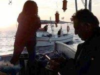 Çavuşoğlu, balıkçıların sorunlarını ve çalışmalarını gözlemledi