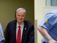 Srebrenitsa: Mladiç soykırımdan suçlu bulundu