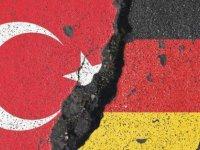 AKP Sözcüsü Ünal: Almanya ile sorun istemiyoruz