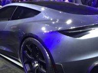 """Elon Musk: """"Roadster'i uçan otomobile dönüştürebiliriz"""""""