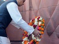 Londra Belediye Başkanı Han, ülkesini Hindistan'dan özür dilemeye çağırdı