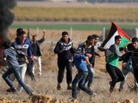 İsrail askerlerinden Filistinli protestoculara müdahale