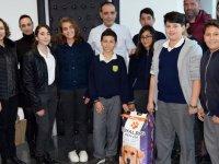 Ruso Ortaokulu öğrencileri LTB'ye 225 kilo kuru  mama bağışı yaptı
